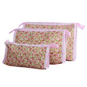 Kit-com-tres-necessaires-com-estampa-floral