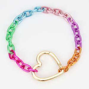 colar-corrente-grossa-colorido-com-pingente-de-coracao-grande-colorido-1