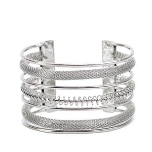 pulseira-bracelete-com-textura-de-manta-de-metal-prateado
