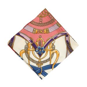 lenco-feminino-estampado-paula-modelo-5
